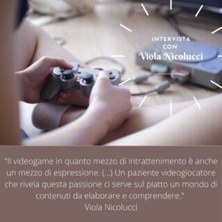 Quale  collegamento c'è tra #psicologia e #videogame?  Quali potenzialità e quali rischi?  Ne ho parlato in questa intervista con la dott.ssa @violanicolucci   Link in bio 👉🏻