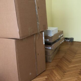 Dopo più di due mesi torno in studio per preparare tutto per la ripartenza nella stanza nuova!