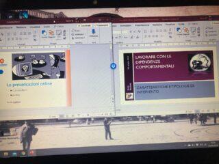 Sabato mattina #multitasking: preparazione contemporanea di due corsi e alle orecchie il webinar con #Lancini sull' #adolescenza